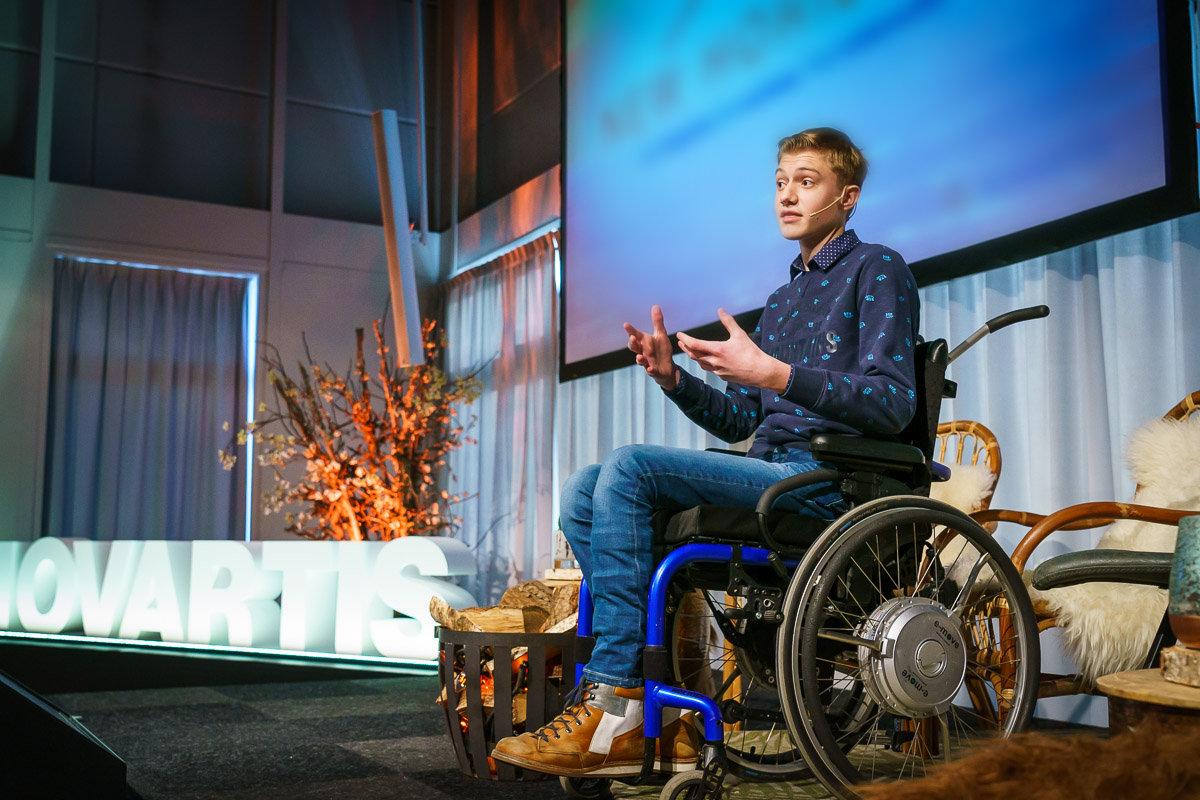 Op een zakelijk of publieksevent maken de jonge sprekers van Little Big Speaker en Stichting Opkikker indruk op je doelgroep en publiek.