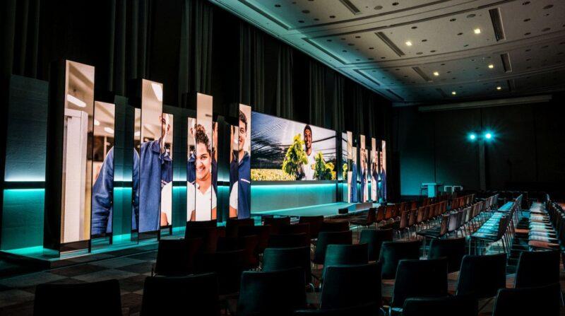 NEOC - Production, Stage & Event - Callebaut_Paris_HR-5606 - Coen Sipkes