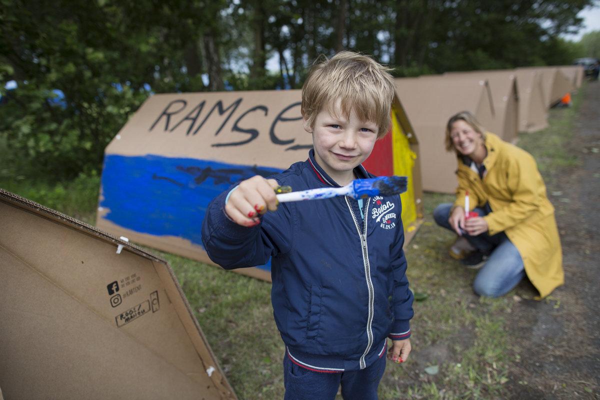 Camping op Stelten - kartent schilderen - Xsaga - Copyright Janus van den Eijnden