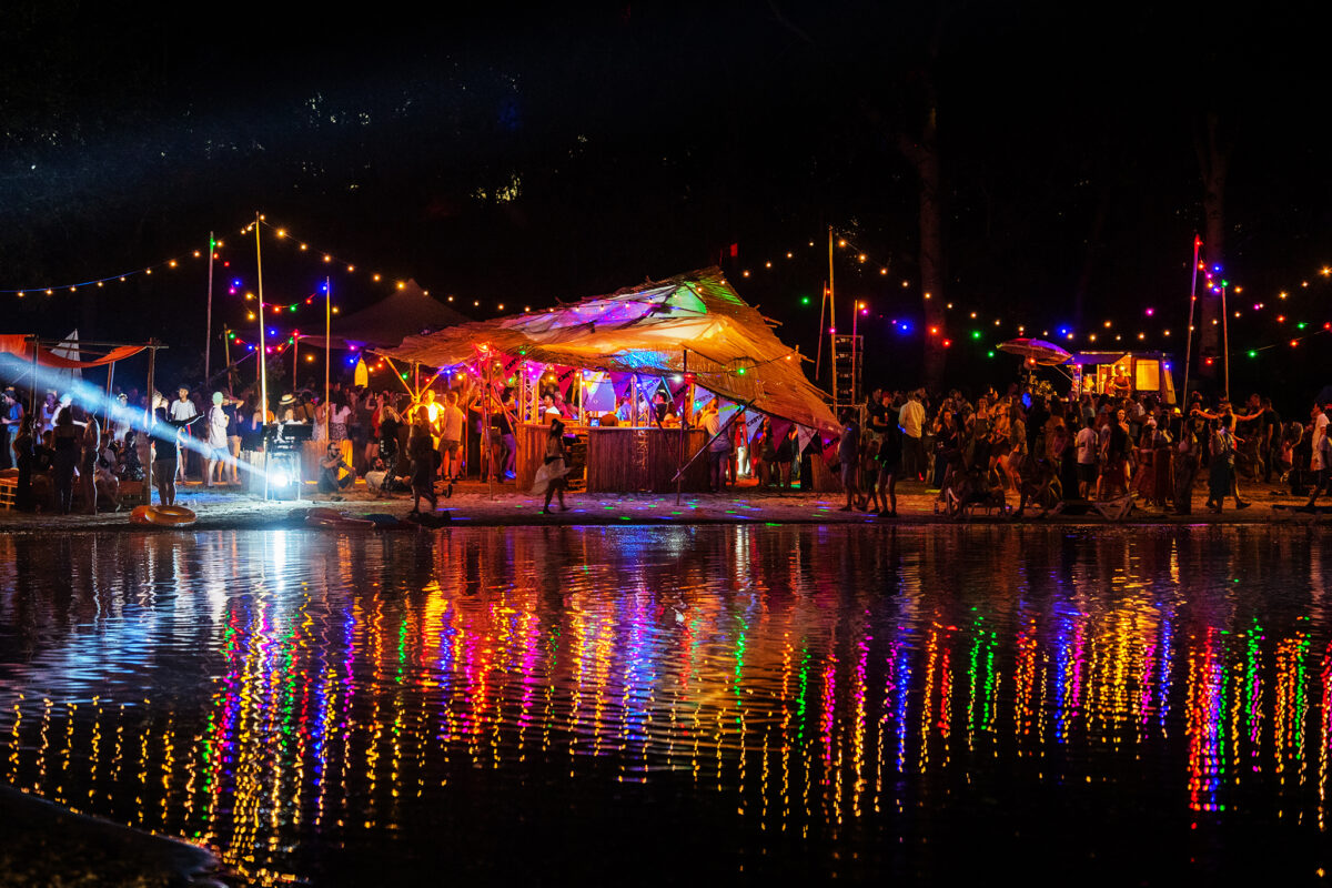 Mandala-Festival-avond-licht-sfeer-Kim-Balster