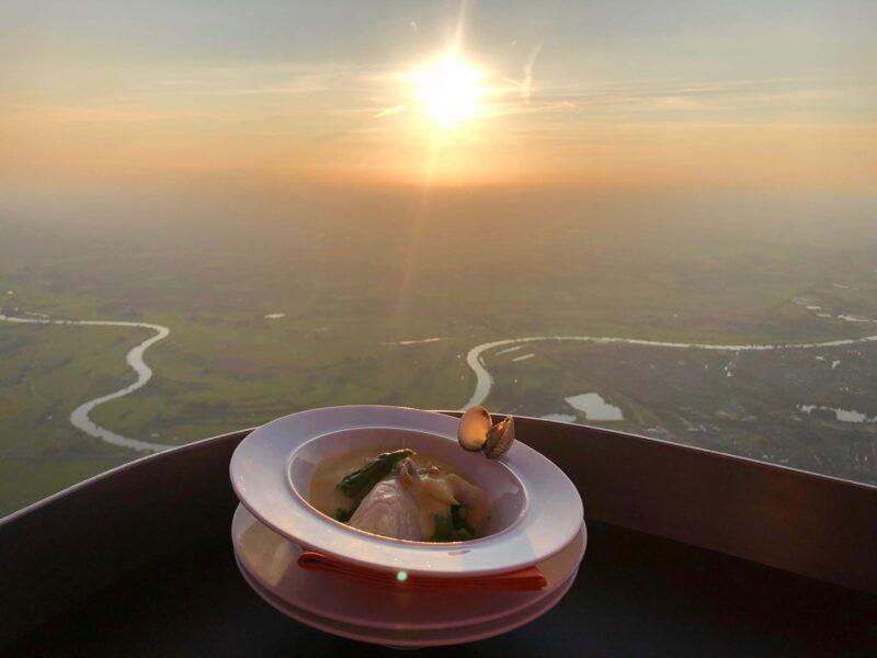 event inspiration | 06-Sunset-CuliAir-Skydining-Luchtballonrestaurant-Michelinster (1)