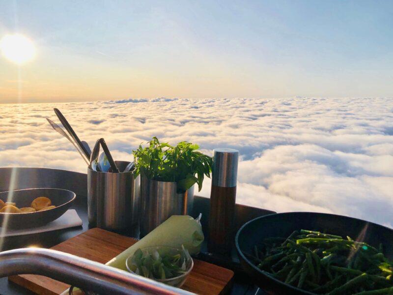 event inspiration | Ballonvaren en dineren boven de wolken (1)