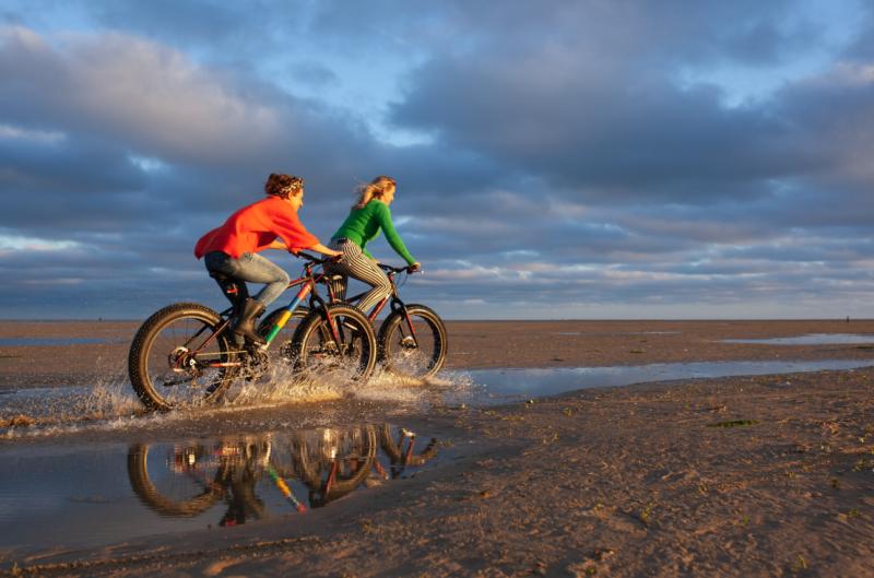 fatbiken - meet in friesland - donker - nacht - fietsen - night sky