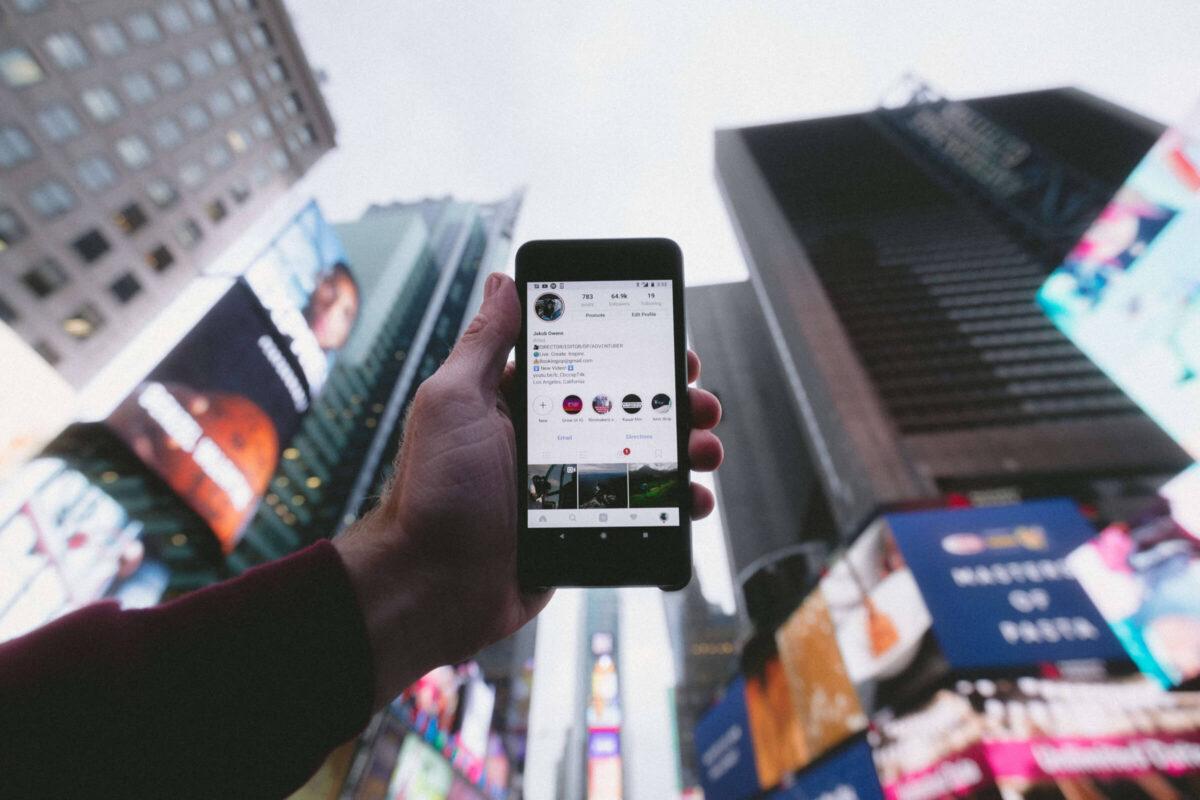 infleuncer - telefoon - instagram - trend - event inspiration (1)