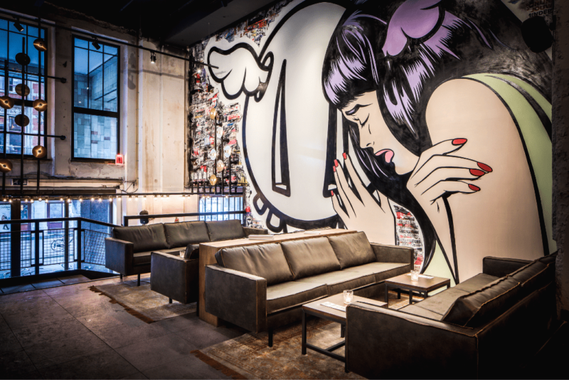 Lounge area entrance- de bajes - restaurant - street art - horeca