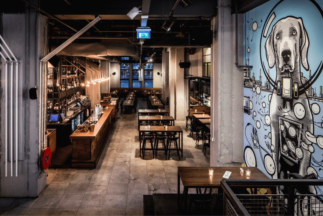 VIP view, bar area _ restaurant- de bajes - restaurant - street art - horeca