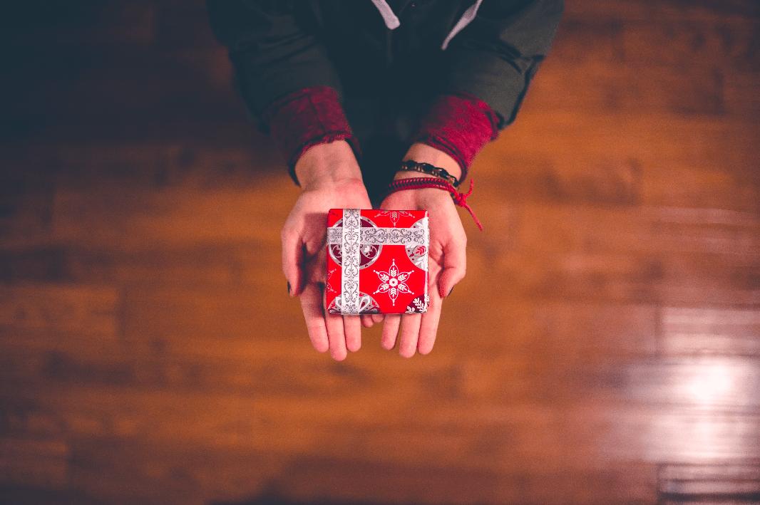 kerstpakket - schenken - cadeau - medewerkers - branding