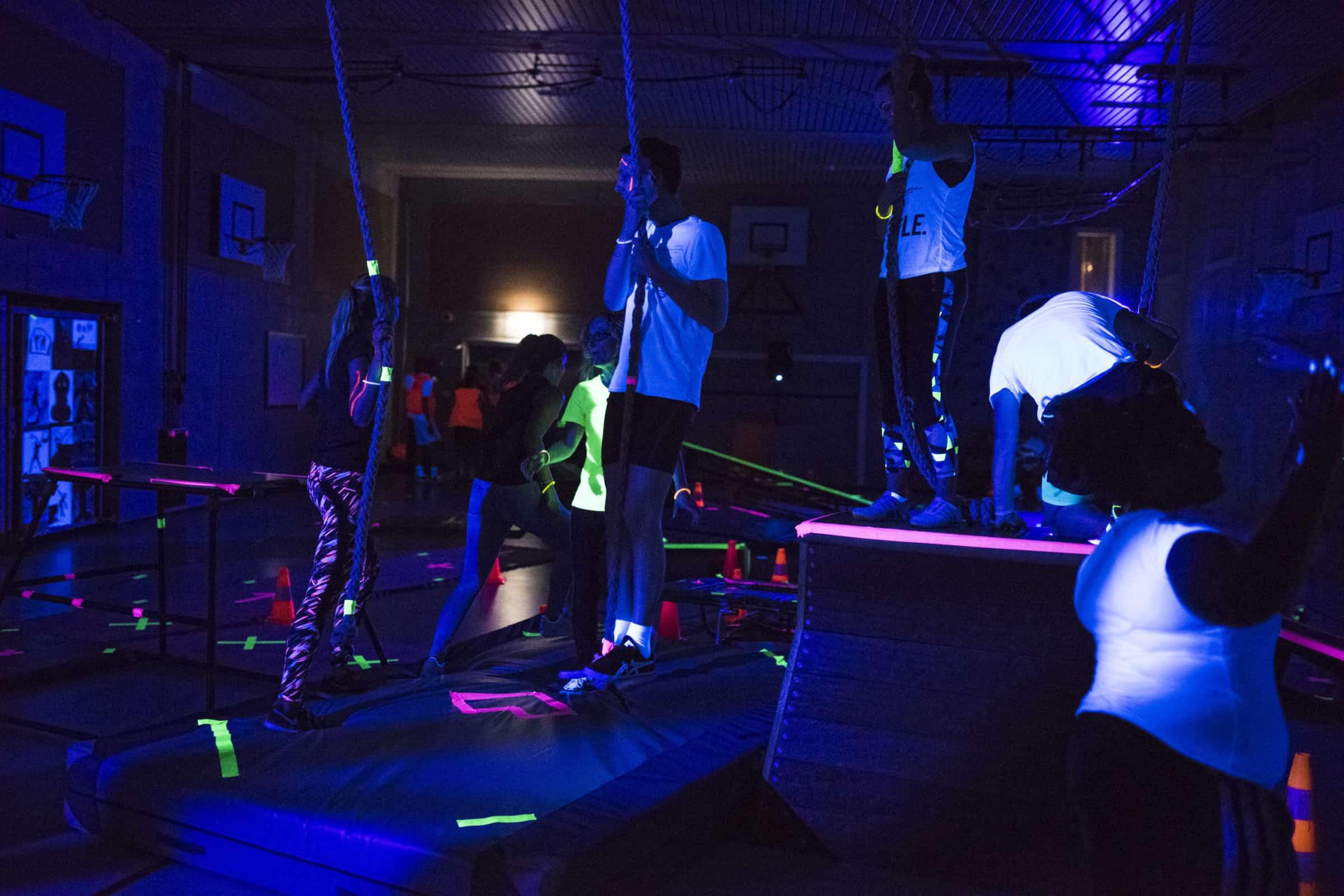 APENKOOI_1 - sportief, gym, kind, spelletjes, blacklight
