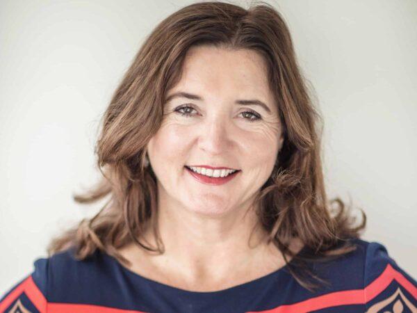 Gespot: Zabeth van Veen maakt indruk met presentatie over 1e, 2e & 3e indruk