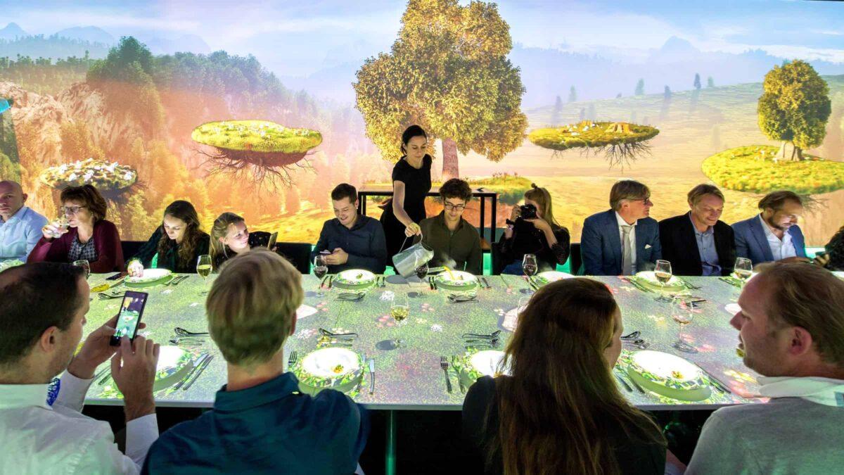 Dinner in motion groene projectietafel