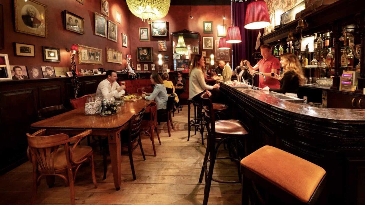 Meeting Depot - bruin cafe