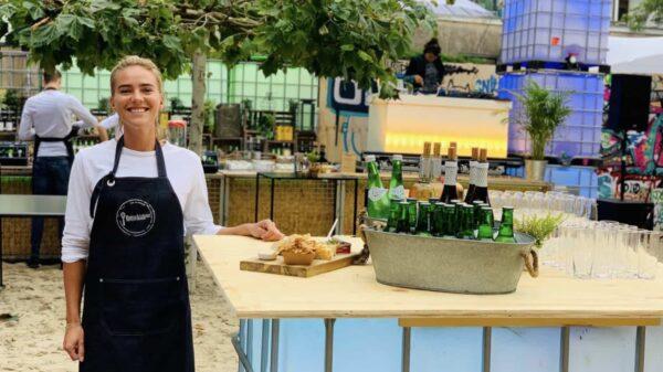 Bakx & Meijer - ontvangsttafel - drank - gastheer - gastvrouw