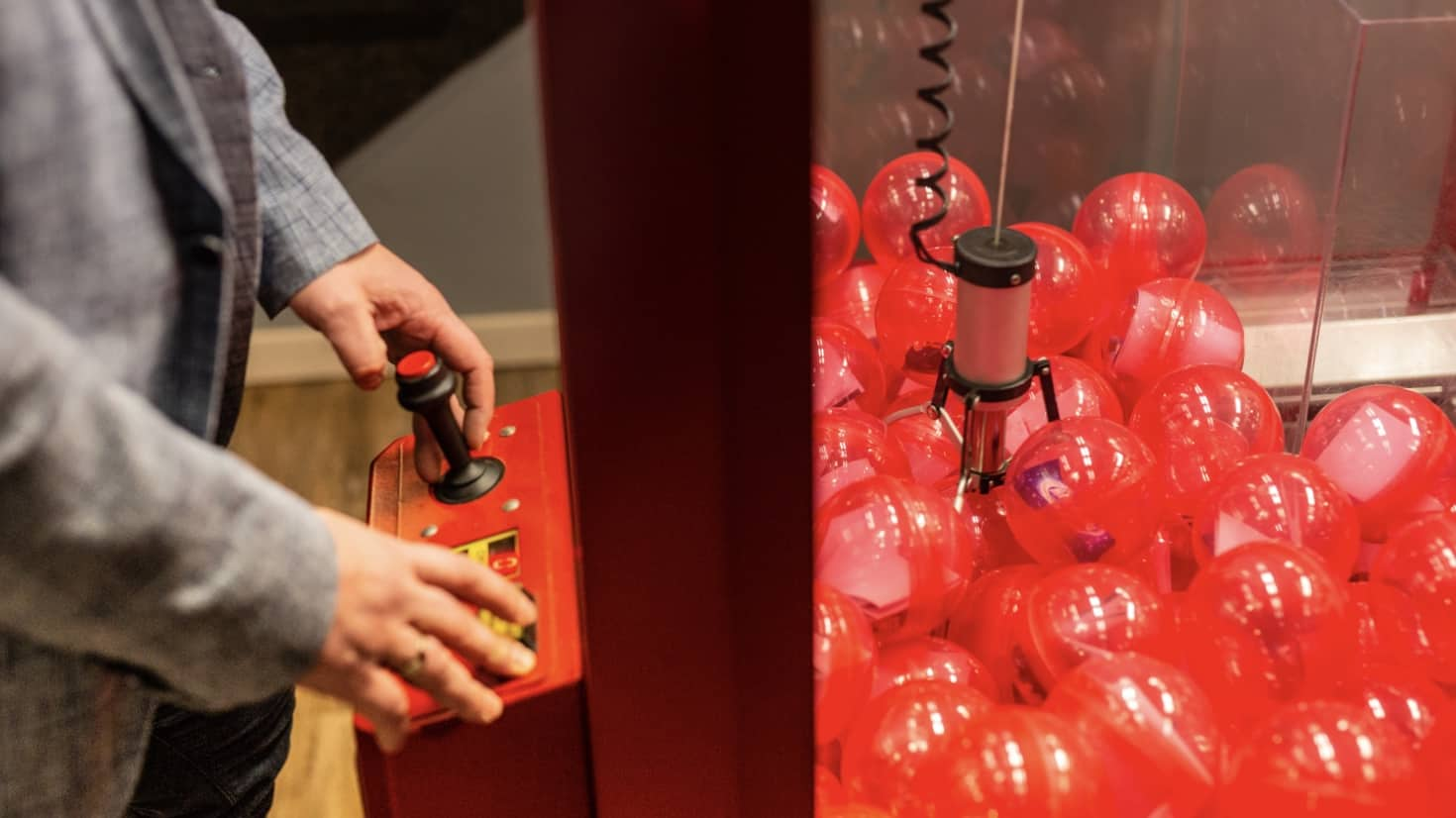 grijpmachine - prijsjes - rode ballen