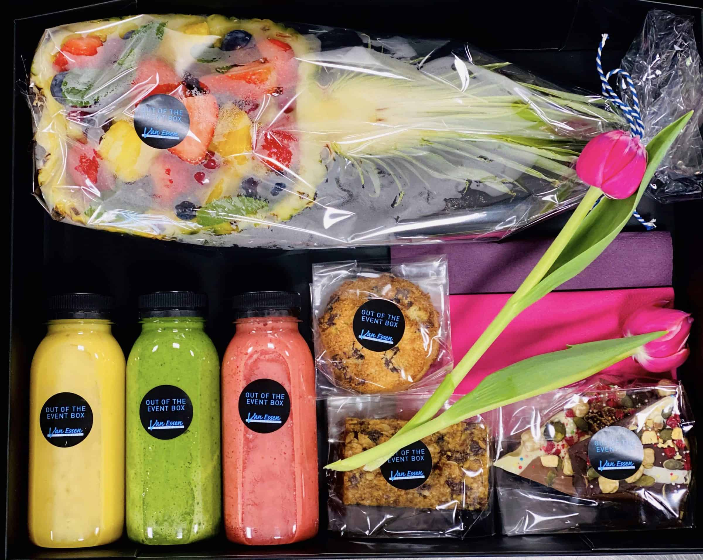 Van Essen Catering - lunchbox - out of the event box - fruit - smoothies - virtual event