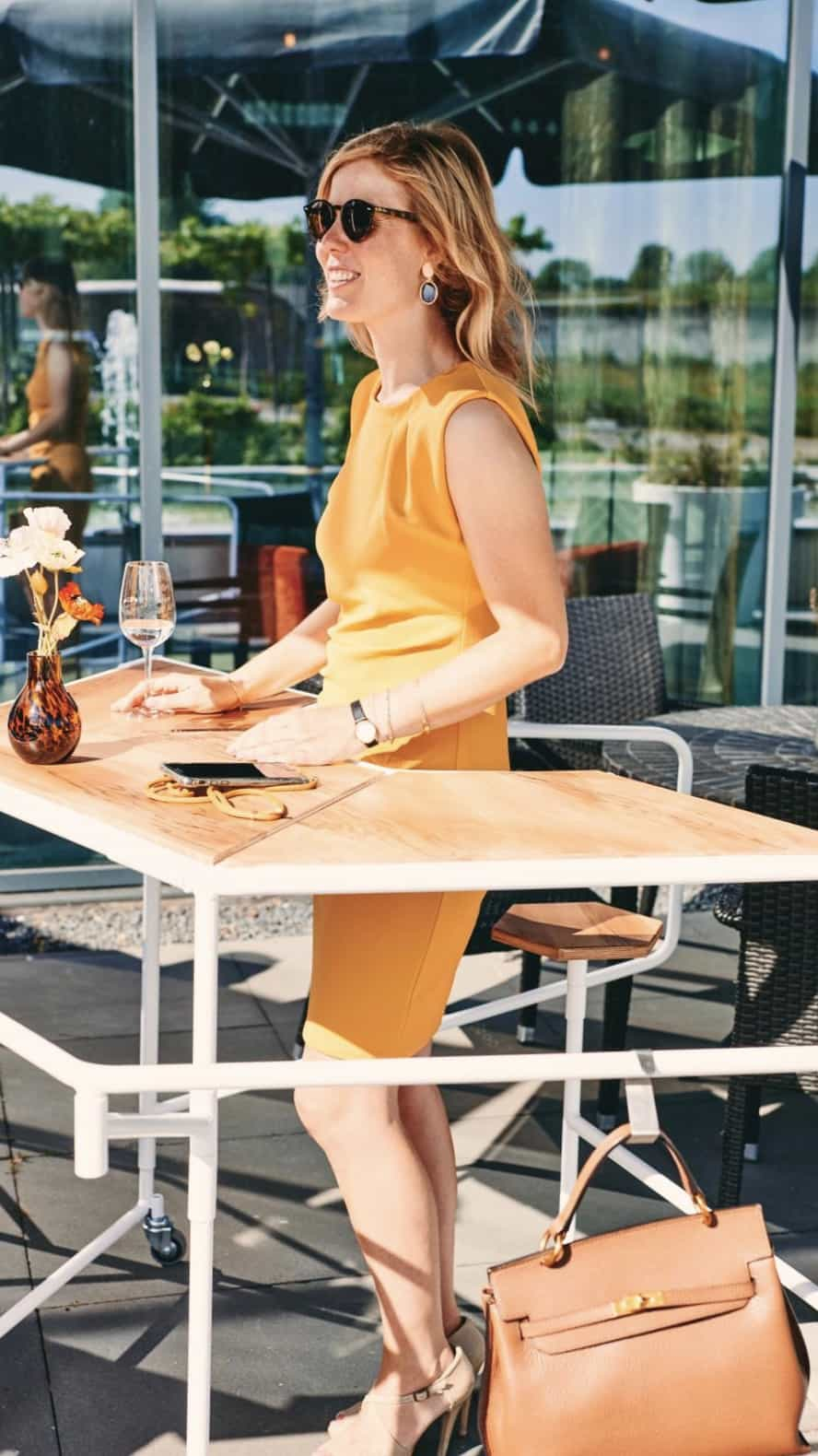 IINII - tafel - events - coronaproof - anderhalve meter - vergaderen - borrel