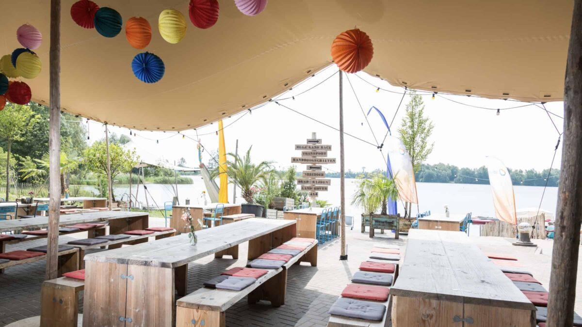 Watergoed - Omnivents - buiten - teambuilding - venue - evenementenlocatie - tafels - tent