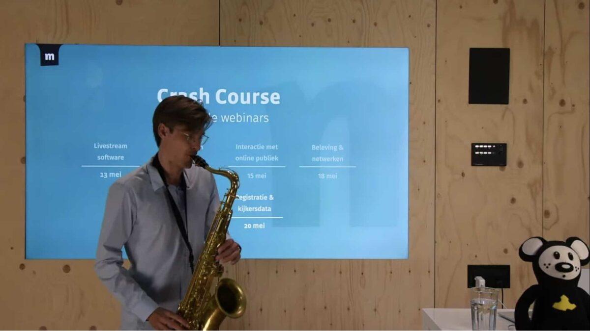 Momice - Rutger Bremer - onstpanning - saxofoon - crash course - online - registratie - corona