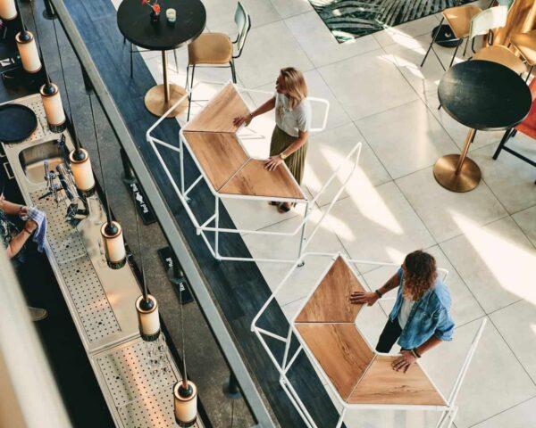 IINII - tafel - events - coronaproof - anderhalve meter - bar