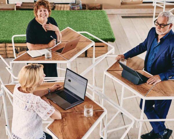 De Afstandhouder - IINII - tafel - events - coronaproof - anderhalve meter - werken - vergaderen