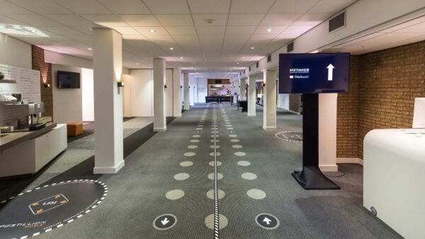 NXTMICE - event - hybride event - online event - MICE - coronaproof - Postillion Hotels - wayfinding - 1,5 meter - looproute