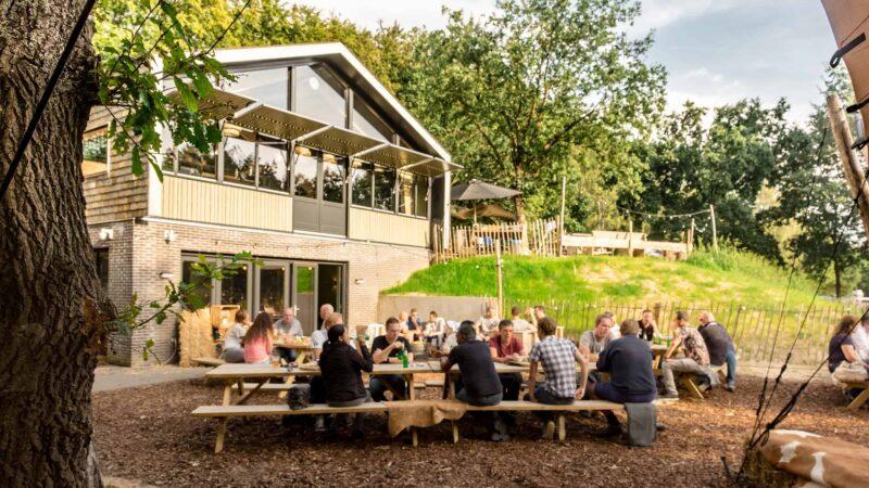 Event Inspiration - Buiten in de kuil is een evenementenlocatie en restaurant in het bos en ideaal voor een brainstorm of teambuilding