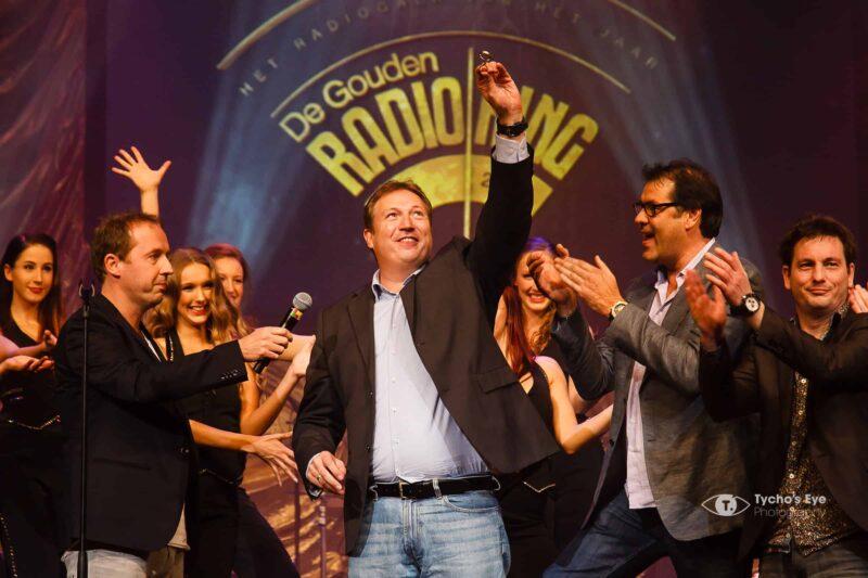 Uitreiking-gouden-radio-ring-Gooiland-winnaar-Edwin-Evers