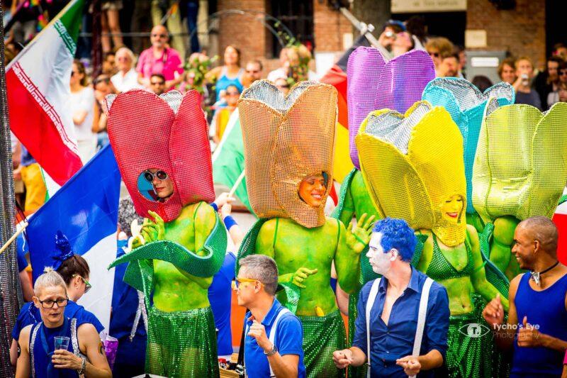 gaypride-verkleed-als-bloemen-gayscene-Amsterdam-event