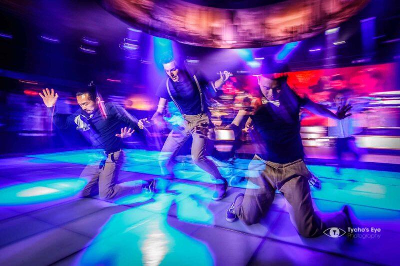 netflix-event-3-dansers-gekleurde-dansvloer