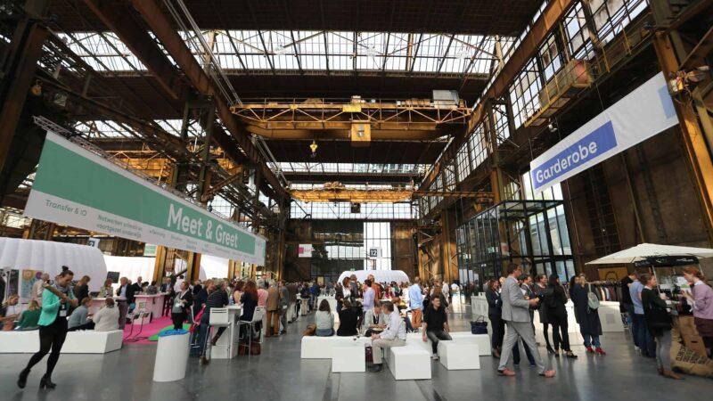 Beurs event op een industriele locatie georganiseerd door Amplify EventMarketing