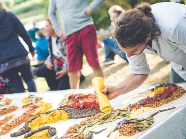 Eetschilderij is (coronaproof) eetbeleving en kunstwerk in één - 1
