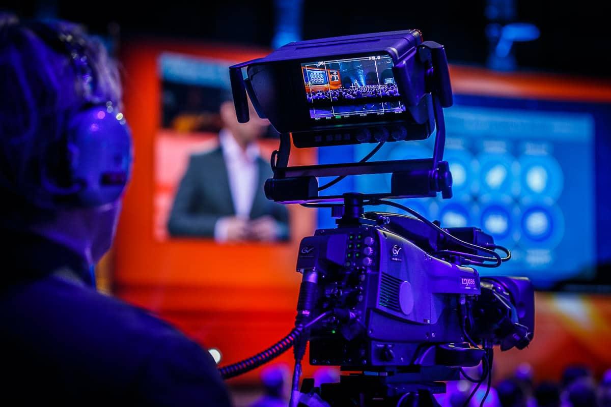 BTB netwerkdiner event van effectgroep met cameraman (Photo: Tycho