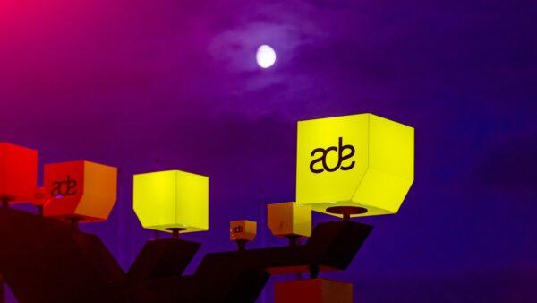 Gekleurde blokken bij ADE (MIchiel Ton)
