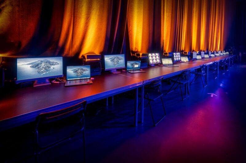 Laptops voor hybride evenstudio Central Studios