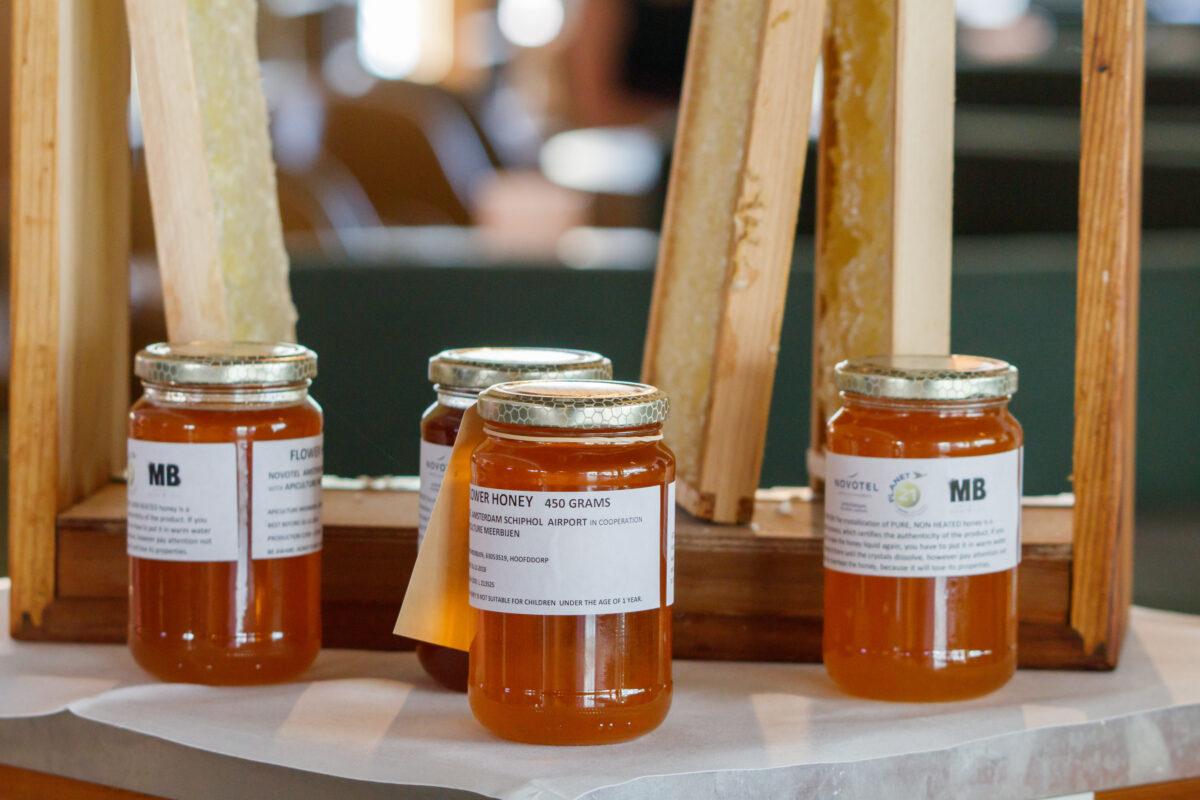 Potjes honing van Novotel