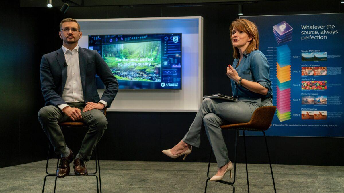 TP Vision online Q&A met twee presentatoren