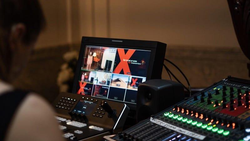 TedX scherm met mengpaneel