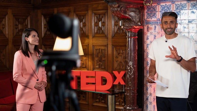 Tedx Salons met twee presentatoren
