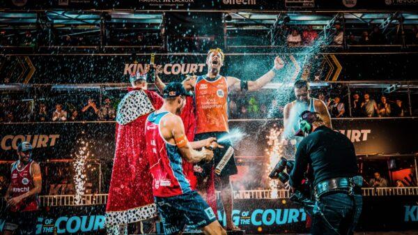 Winnaar King of the Court met champagne (foto- SetVexy)