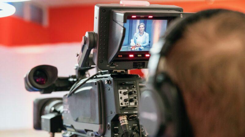 Cameraman-tijdens-iBestuur-Congres-2020-bij-Papendal