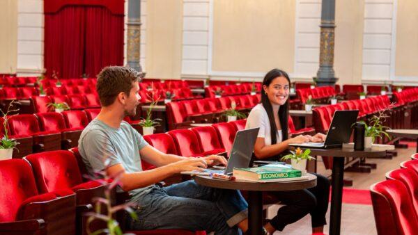 Studeren grote zaal Concertgebouw - Bernd Köhnen