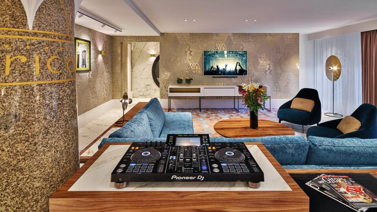 HARD ROCK HOTEL AMSTERDAM_ROCK STAR SUITE