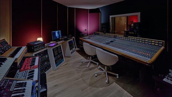 EDEN HOTEL AMSTERDAM_MUSIC_STUDIO