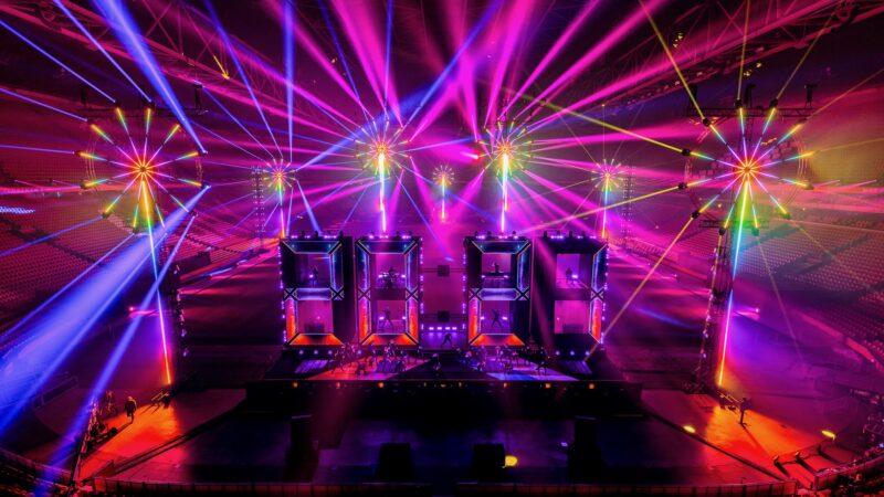 ElectricFireworks-Fjuze-Jaarwisseling-2020-podium-met-show-Arena (foto-Floris-Heuer)