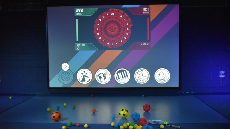 Interactieve spelmuur met diverse spellen