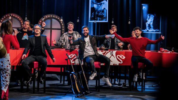 Vrienden van Amstel Liverstream Nick, Simon, Guus, Snelle die genieten van optreden Maan (foto-Set Vexy)
