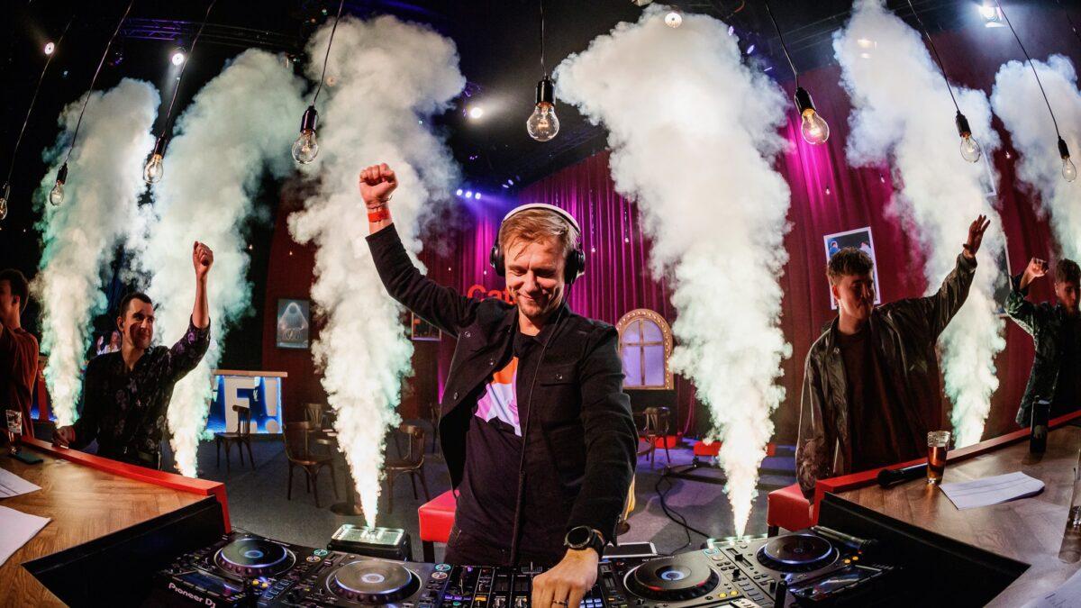 Vrienden van Amstel Livestream optreden Armin van Buuren (foto - Bart Heemskerk)