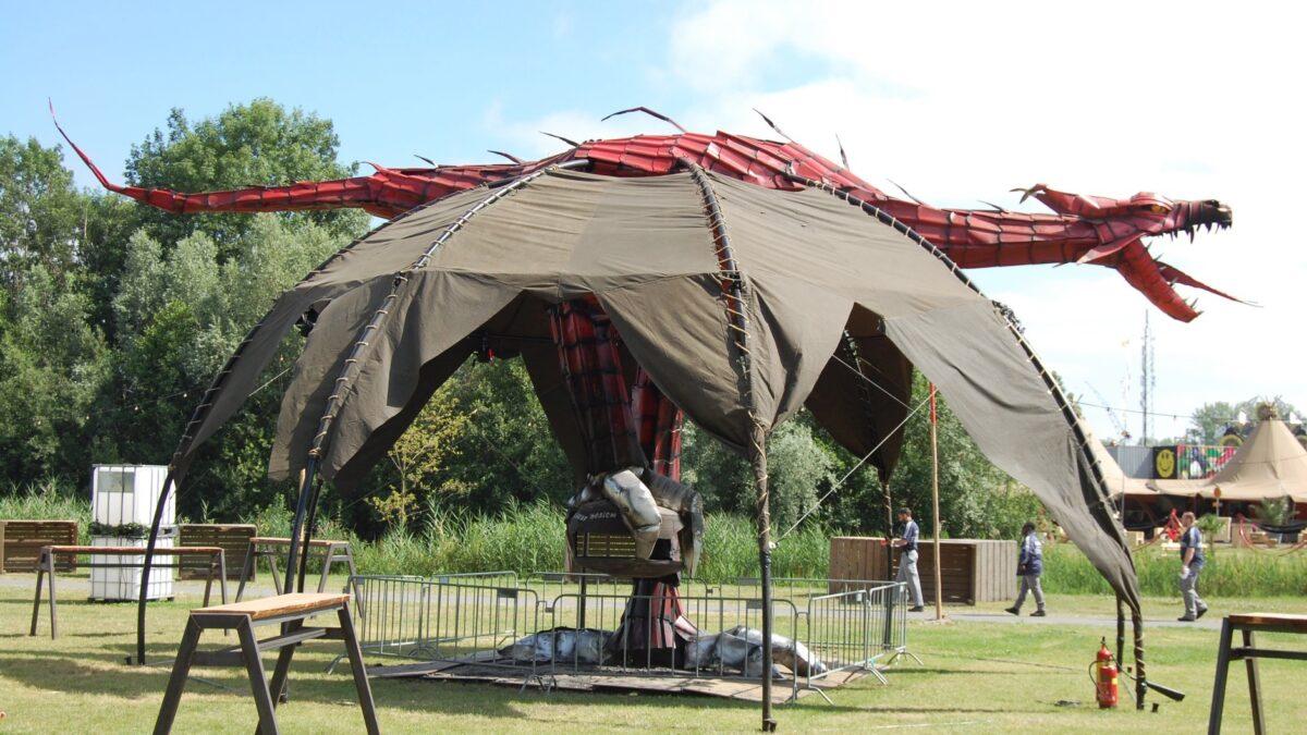 Scrap Design kachel in vormen van draak voor op festivals en events