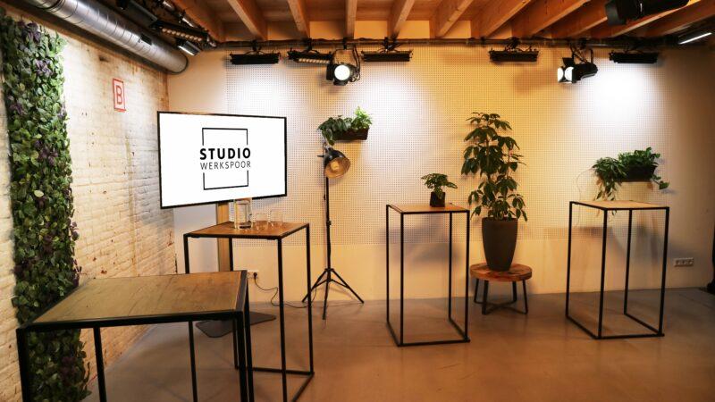 Sprekershuys Studio Werkspoor Setting-statafels