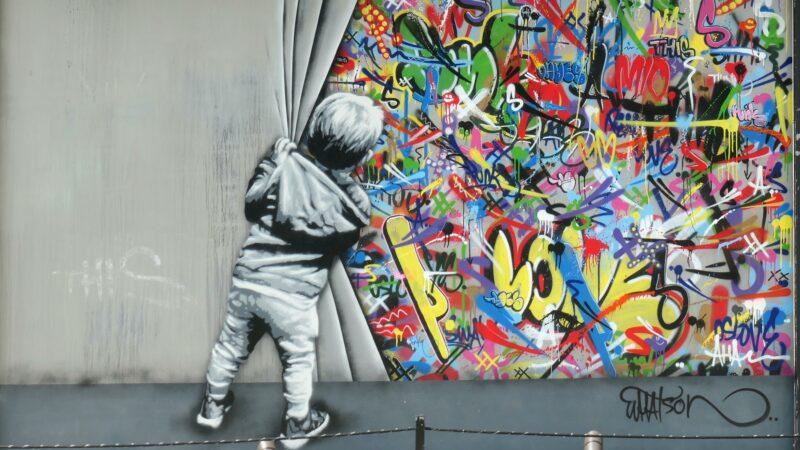 Kunstwerk op straat van Graffiti van Watson