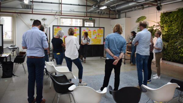 Brainstorm over concept Songfestival met team Fronteer